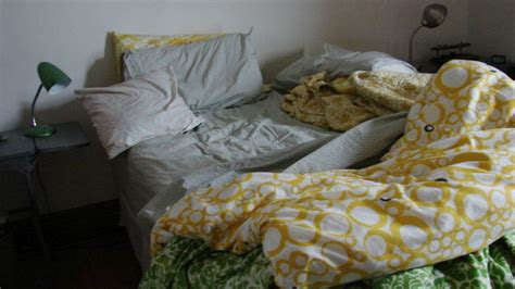 unmade bed scientists tell you why making your bed is disgusting