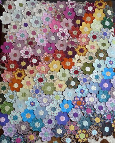 Patchwork Photo Quilt - scrap hexagon patchwork quilt the hexagon flowers 1st