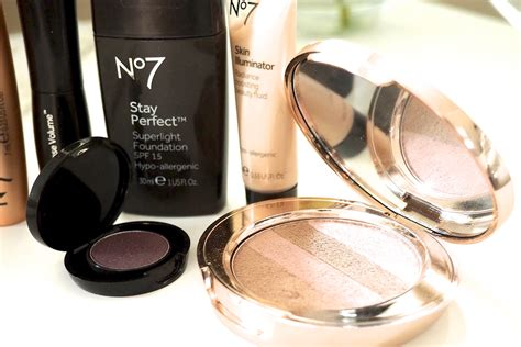 Eyeshadow Inez No 7 no7 makeup and the chic