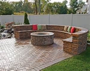 Best Backyard Fire Pit Top 25 Best Small Brick Patio Ideas On Pinterest Small