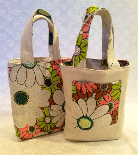 Handmade Bag Pattern - reversible tote bags how to make one noelleodesigns