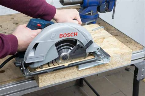 Bosch Gks 235 Turbo Circular Saw 9 In Gergaji Listrik Garansi Resmi bosch gks 2 050w 235mm held circular saw my power tools
