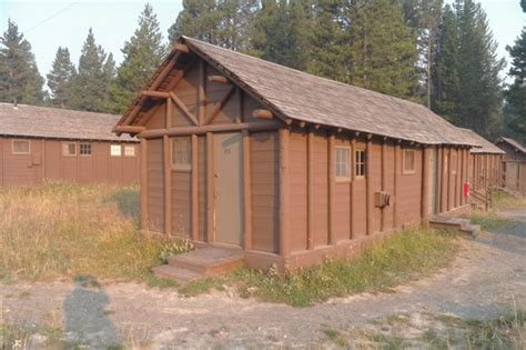 Lake Lodge Cabins Yellowstone Reviews by Single Bed Pioneer Cabin Picture Of Lake Lodge Cabins