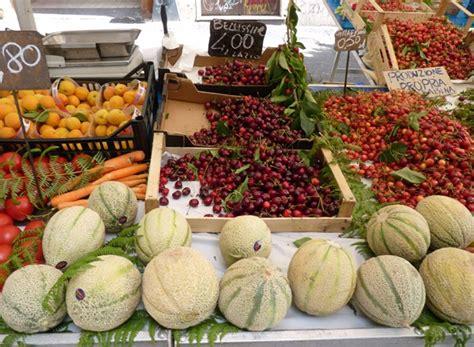 banco frutta e verdura mercato casilino o pigneto mercati di roma