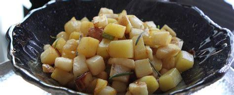 sedano rapa in padella dadolata di topinambur patate e sedano rapa sale pepe