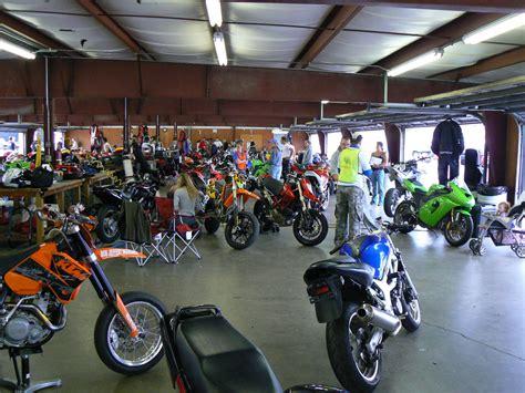 Dirt Bike Garage by Best Track Day Bikes In The Zone