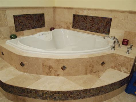 Big Bathtubs With Showers by Large Bathtub Dimensions Bathroom Bathtub Design Big