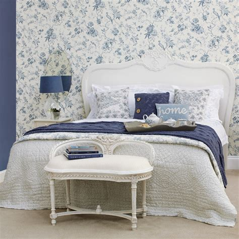 Pretty Wallpaper For Bedroom by Beautiful Blue White Bedroom Wallpaper Review