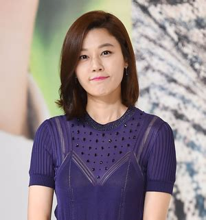 korean actress kim ha neul actress kim ha neul pregnant