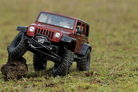 jeep rock crawler rc jeep rubicon vs defender scale rock crawler expedition