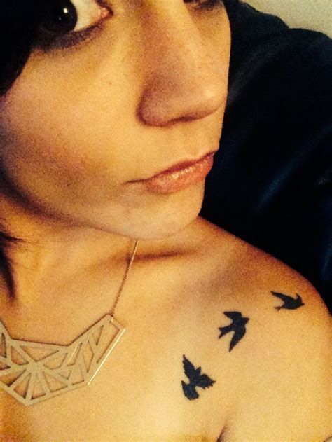 75 fantastic birds shoulder tattoos