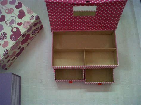Kuas Make Up Wardah kotak serbaguna kuas make up dan kosmetik