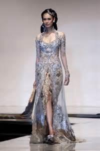 wedding dress designer indonesia timeless kebaya kebaya beautiful wedding gown from indonesia kebaya indonesia