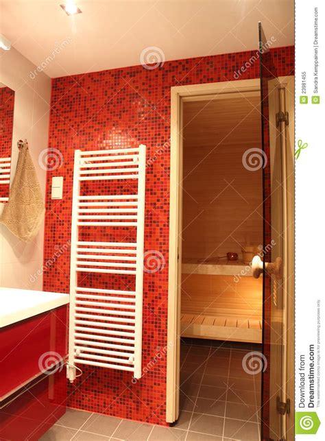 bagno finlandese stanza da bagno finlandese moderna immagine stock