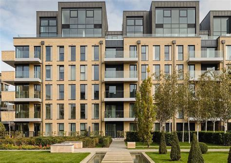houses to buy fulham superb riverside homes in prestigious fulham london propertyuk