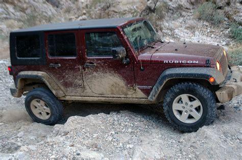 Jeep Wrangler Vs Jeep Rubicon Jeep Wrangler Unlimited Rubicon Vs Hummer H3t Photo
