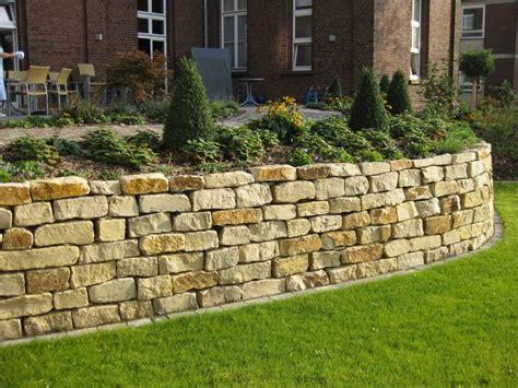 natursteinmauer garten natursteinmauer garten traumgarten