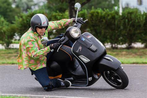 Motorrad Zubeh R Laden by Vespa Gts 300 Tuning Zubeh 246 R Test Technische Daten