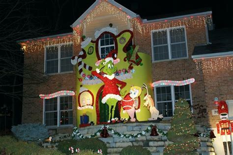 15 incredible houses decorated for christmas whoville 135 best images about christmas grinch whoville on pinterest