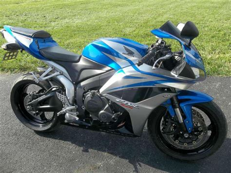 Honda Sport Bike by Buy 2009 Honda Cbr600rr Sportbike On 2040 Motos