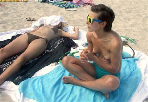 The Nude Beach Photo Blog