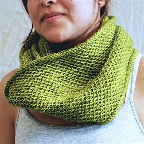 one skein cowl knitting pattern knit a gift from one skein of yarn 25 free patterns
