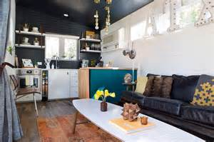 Tiny House 400 Sq Ft by A 400 Square Foot House In Austin Packed With Big Ideas
