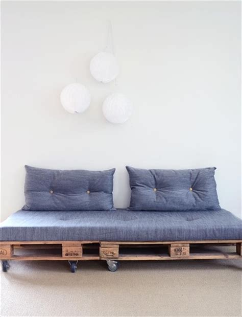 Pallet Sofa Diy by Diy Pallet Sofas And Coffee Table Ideas Pallets Designs