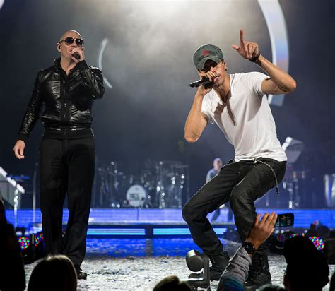 enrique and pitbull concert 2015 enrique iglesias and pitbull 2017 stadium tour dates the