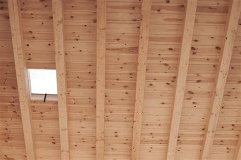 Isolation Plafond Entre Poutres Apparentes by Monter Un Plafond Dans Des Combles Ooreka