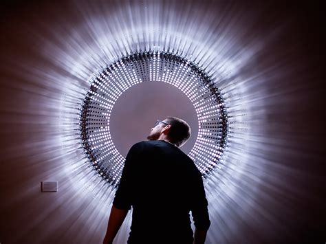 Brilliant Discodisco Led Sculpture Comes Alive To The Led Light Installation