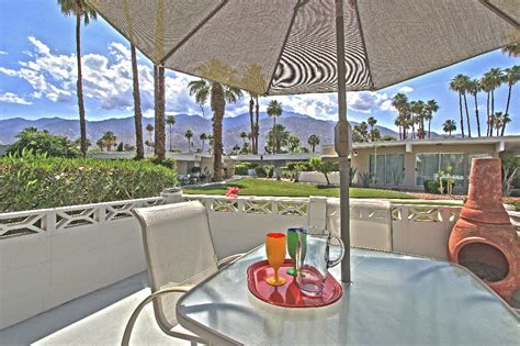 The Garage Palm Springs by Best Location For This Mid Century Modern Condo In Central