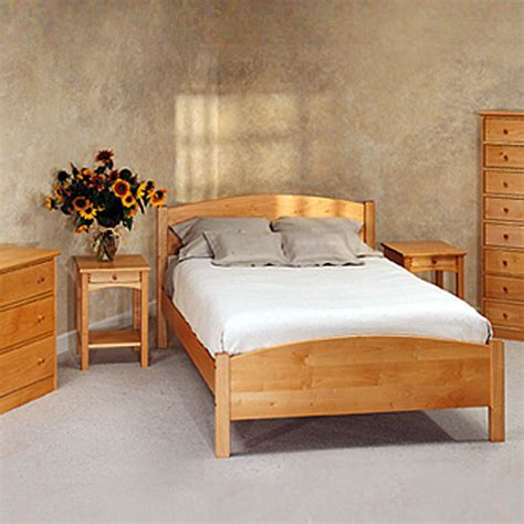maple furniture bedroom pacific rim solid maple classic bedsets allergybuyersclub