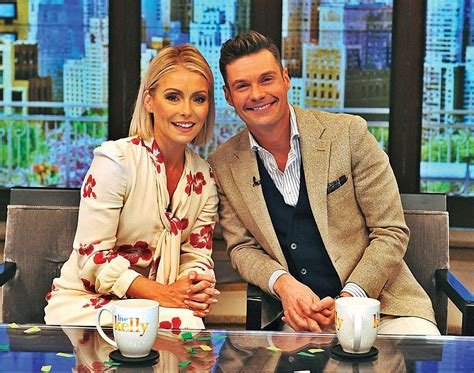 where did kelly ripa move to in nyc charitybuzz 2 vip tickets to live with kelly and ryan in