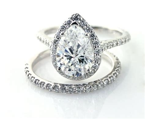 25  best ideas about Pear shaped engagement rings on