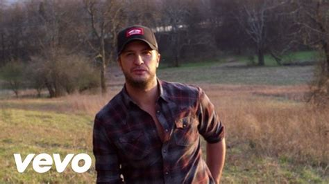 luke bryan heres to the farmer luke bryan to kick off annual farm tour with here s to