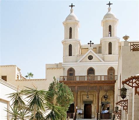imagenes de iglesias terrorificas la iglesia colgante