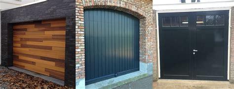 Houten Openslaande Garagedeuren by Hardhouten Garagedeuren Different Doors Garagedeuren