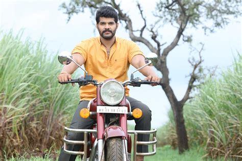tuzyat jeev rangala cast tujhyat jiv rangala zee marathi serial cast crew photos