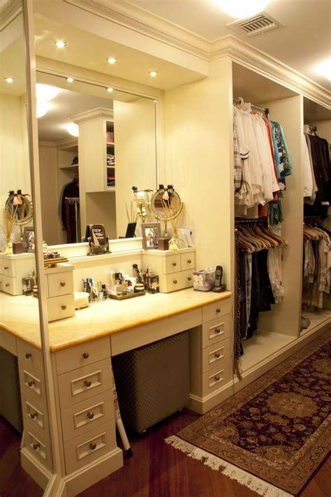 Built In Vanity Bedroom by 1000 Ideas About Built In Vanity On Bathroom