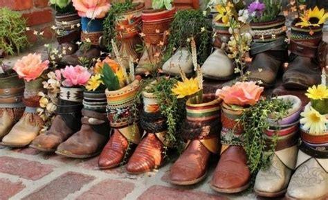 garten sichtschutz ideen 3810 blumen alten schuhen stiefel ideen dekoration