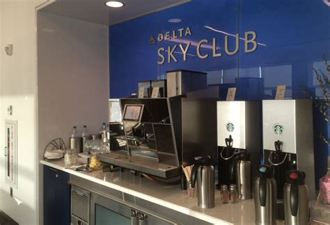 delta rooms nyc reviews lounge review delta sky club at new york s jfk airport points martinis