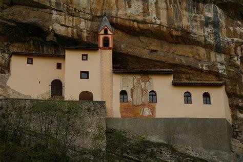 il monastero di san colombano il monastero di san colombano
