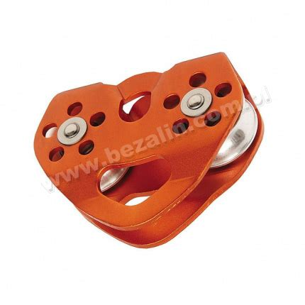 Petzl Tandem Cable Pulley For Travel Along Ropes And Cables pulley tandem cd 101 single and pulleys