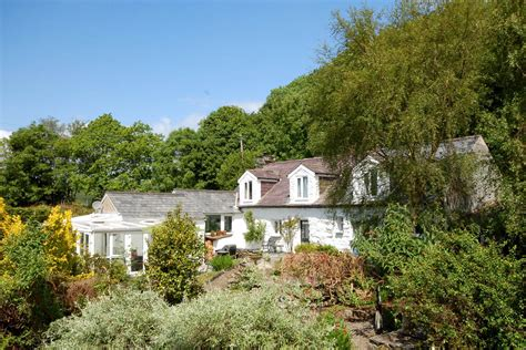 self catering in llanbedr log and large garden with