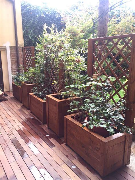 vasi di legno 17 migliori idee su fioriere di legno su