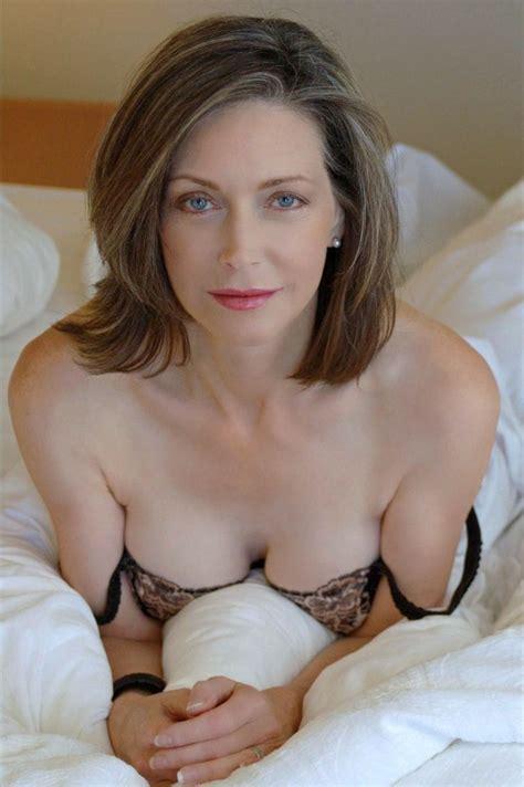 sissy fine tumbler sexy gilf on her bed mature women i like pinterest