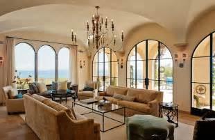 wohnzimmer mediterraner stil luxurious tuscan style malibu villa by paul brant williger