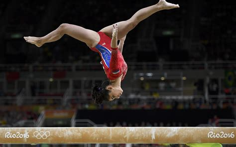 the gymnast photos 5 truly images of gymnasts on balance