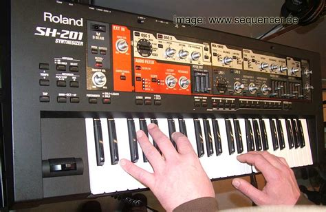 Keyboard Roland Sh 201 roland sh201 digital synthesizer simple sequencer